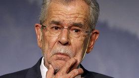 Van der Bellen bude novým prezidentem Rakouska. Hofer kapituloval