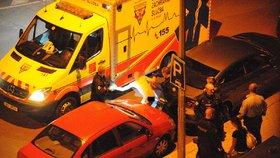 Agresivní naháč ohrožoval lidi u Botiče: Zpacifikovat ho musela policie