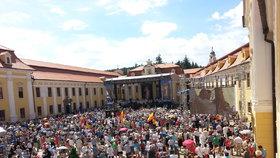 Přes 23 tisíc poutníků se sjelo na Velehrad, oslavili Cyrila a Metoděje
