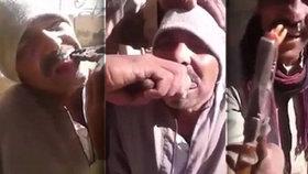 K zubaři do Egypta? Muž vytrhl kamarádovi zub rezavými kleštěmi!