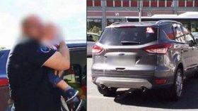 Otec zamkl ročního syna v rozpáleném autě, zachraňovali ho hasiči