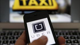 Na černé taxikáře čekají přísnější tresty. Bič na Uber ale na vládě vypadl