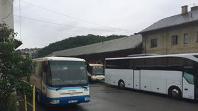 Krize s autobusáky v Praze: Arriva přijímá i lidi, kteří nikdy autobus neřídili