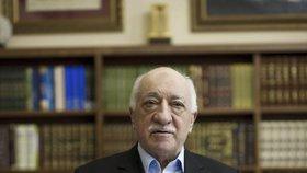 Smrt, strach a politický chaos v Turecku: Má vše na svědomí Fethullah Gülen?