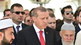 Co učitel, to terorista? Po puči v Turecku skončilo 36 tisíc učitelů na dlažbě