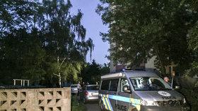V pražském bytě našli mrtvou ženu: Policie odvezla v poutech oznamovatele