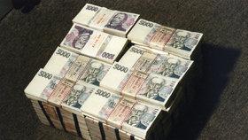 """""""Ulili"""" si 1,2 miliardy korun z daní. Podvod odhalila Daňová Kobra"""