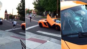 Skejťák rozmlátil skateboardem přední sklo McLarenu za 6 milionů, jeho řidič ho málem přejel