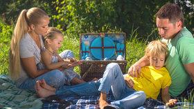 Slunce svítí, naplňte koše a vyražte ven: Podívejte se, jak uspořádat skvělý piknik!