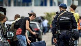 Uprchlík cestoval na falešný pas z Česka! Kde k němu přišel?