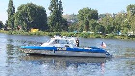 Mrtvola ve Vltavě nedaleko Zbraslavi! Bezvládné tělo muže (77) zachytili rybáři