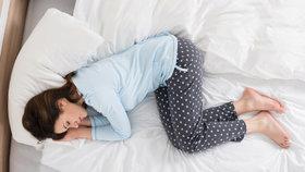 Jak se vypořádat s koncem léta? Zachumlejte se do deky!