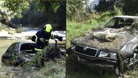 Voda při lijáku strhla auto i s řidičem. Proud ho hnal 2 kilometry