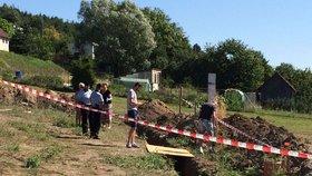 Dělník vyhrabal na stavbě v Žatci kostru: Forenzní experti popsali detaily ohledně mrtvoly