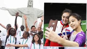 Politika v Riu: Uprchlice hrdinka, bučení na Rusy i selfie Kimovi pro zlost