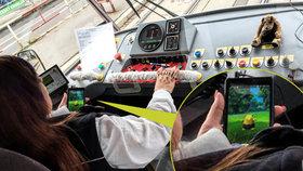 Trest pro řidičku tramvaje, která za jízdy lovila pokémony: Pokuta a hrozba výpovědí