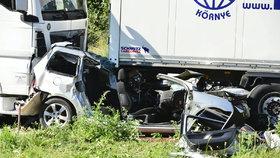 Český kamioňák smetl auto ve Francii: Zahynula čtyřčlenná rodina!