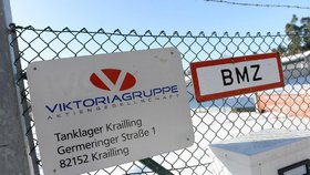 Firma nejspíš okradla Česko o miliony litrů nafty. Exšéfy obvinila policie