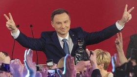 Polsko jde ve stopách Turecka. Chce referendum o změně státního zřízení