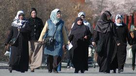 """""""To už není Německo."""" Starousedlíci si stěžují na muslimky a vodní dýmky"""