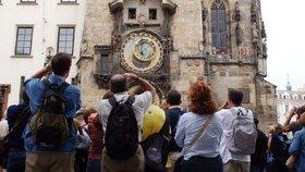 Do Prahy přijely od dubna do června více než 2 miliony turistů. Tráví tu delší dobu