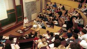 Slováci se masově hlásí na české vysoké školy. Loni podali 20 tisíc přihlášek