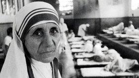 Matka Tereza se dočkala svatořečení. Útočil na ni ďábel, rozdala se pro chudé