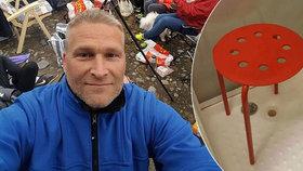 Nejvtipnější stížnost roku: Muži se v IKEA stoličce zasekl penis!