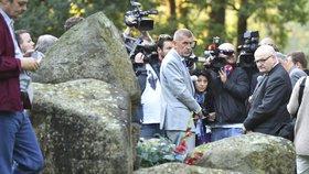 """Babiš uctil romské oběti v Letech a otočil: """"Výkup vepřína neřeším"""""""