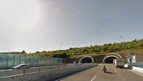 Zavřený Cholupický tunel ve směru na Plzeň: Uvnitř se vyboural kamion