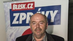"""KSČM má na Zlínsku kiks na plakátu. """"Hrubá chyba,"""" přiznal ostudu Lapčík"""