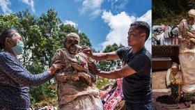 Bizarní festival mumií: Indonéský kmen každé tři roky vykope mrtvé a fotí se s nimi