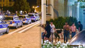 100 neonacistů napadlo nedaleko českých hranic migranty, uprchlíci po nich házeli lahve