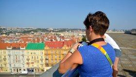 Milovníci výšek a focení: Třicet lidí zjistilo, jak vypadá Praha 7 z ptačí perspektivy