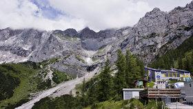 62letý Čech zahynul v Alpách. Ztratil se poté, co se odpojil od skupiny