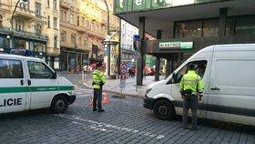 """""""Ty v*le, to je dneska všude!"""" Řidiči v Praze nesmějí na Národní, je Den bez aut"""