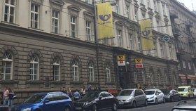 Zázrak! Česká pošta v Praze a okolí bude mít déle otevřeno: Třeba na Smíchově až do devíti