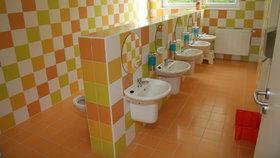 Pražská hygiena si posvítila na školní umývárny. Jak kontrola dopadla?