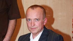 Moderátor Primy Karel Voříšek v slzách: Zemřela mu přítelkyně