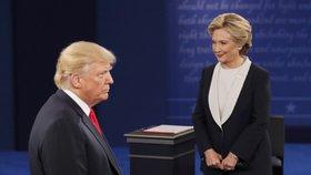 Hádky Clintonové a Trumpa už lidi neberou? Jejich debatu si nepustili