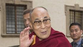 Česko bylo kvůli dalajlámovi na koberečku. Hrad si usmiřoval Peking prohlášením