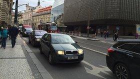 17. listopad v Praze omezí dopravu: Národní třídě se autem raději vyhněte