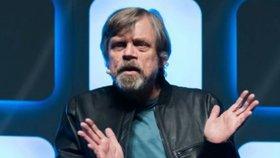 Luke Skywalker ze Star Wars je v Praze! Tajně si tu užívá s dcerou a se psem!