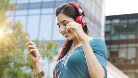 Hudba dokáže zvednout náladu a zpříjemnit šedé podzimní dny