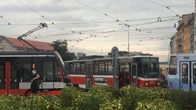 Další omezení v okolí Libně: Mezi Palmovkou a Florencí nepojedou tramvaje. Budete muset autobusem nebo jinudy