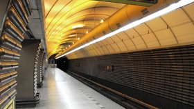 Na sedm měsíců uzavřou další stanici metra. Vlaky budou jen projíždět