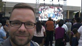 Reportér Blesku s Obamou ve Vegas: Lidem sebrali deštníky i selfie tyče
