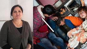 Dáša Romům tlumočí ze slovenštiny. Děti učí mýt si vlasy a zbavovat se vší