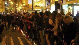 Lidský řetěz na 17. listopadu: Potáhne se od Národní třídy až na Újezd