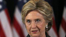 Svědek popsal běs poražené Clintonové: Ječela, sprostě klela a házela věcmi
